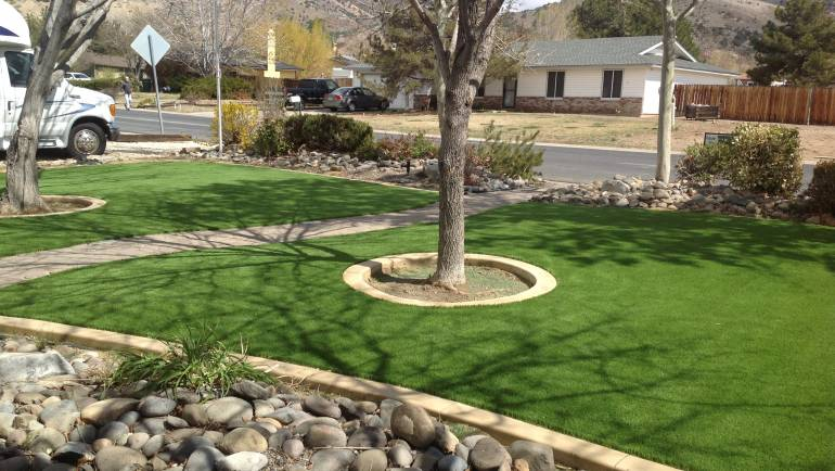 Front Yard – Artificial Grass